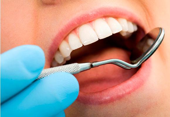 Alergias: quais são os riscos em procedimentos odontológicos?