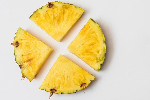 Abacaxi assado com manga