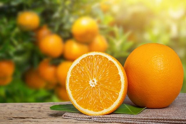 Salada grega de laranja com azeitonas