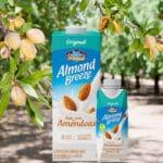 Almond Breeze com amêndoas